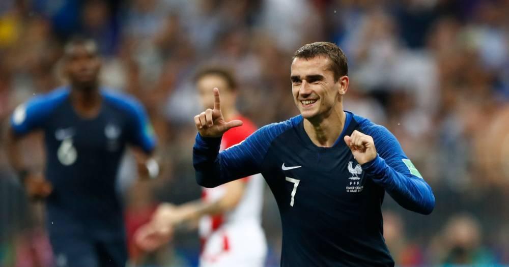 Чемпион мира по футболу 2018 года Антуан Гризманн исполнил танец из Fortnite