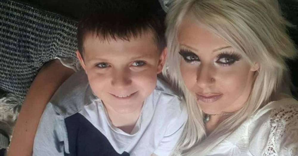 Учительница случайно оставила оскорбительное голосовое сообщение маме ученика-аутиста