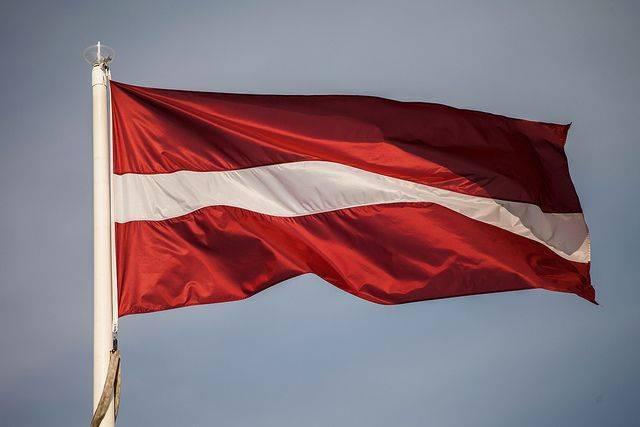 Евродепутат рассказал, что заставит Латвию «перестать ненавидеть русских»