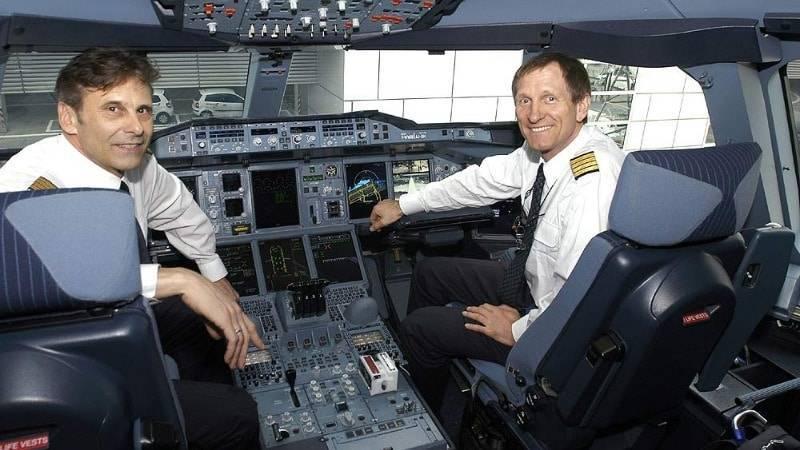 Сколько зарабатывает пилот самолета?