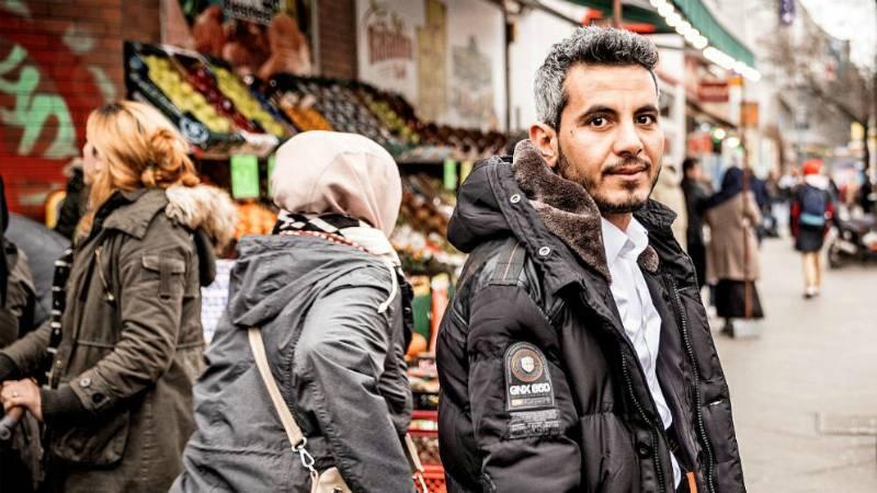 Сириец: беженцы не должны позволять имамам управлять своей жизнью