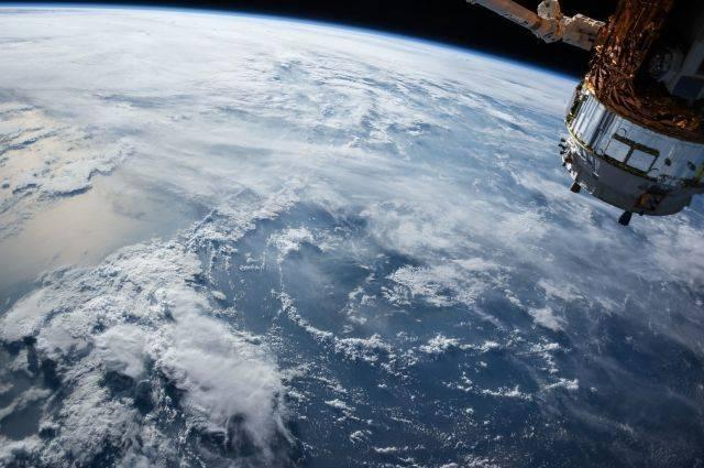 Посольство РФ ответило шуткой на новость о создании космических войск США