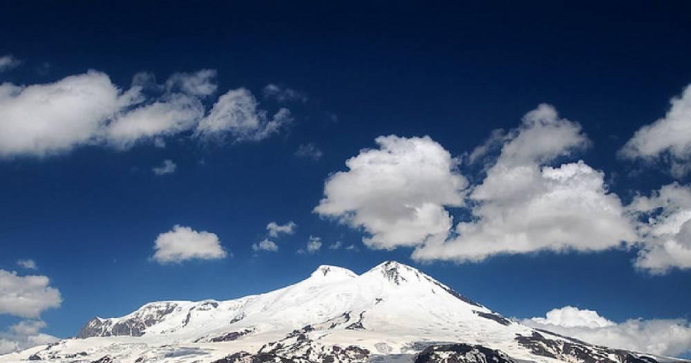 Спасатели эвакуировали российского альпиниста на Эльбрусе