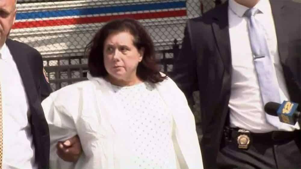 На Лонг-Айленде пожилая женщина жестоко убила гостью, чтобы «очистить дом от зла»