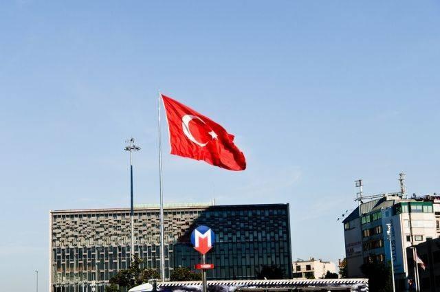 Американского пастора Брансона оставили под домашним арестом в Турции