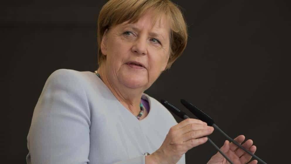 Насколько население Германии довольно работой канцлера