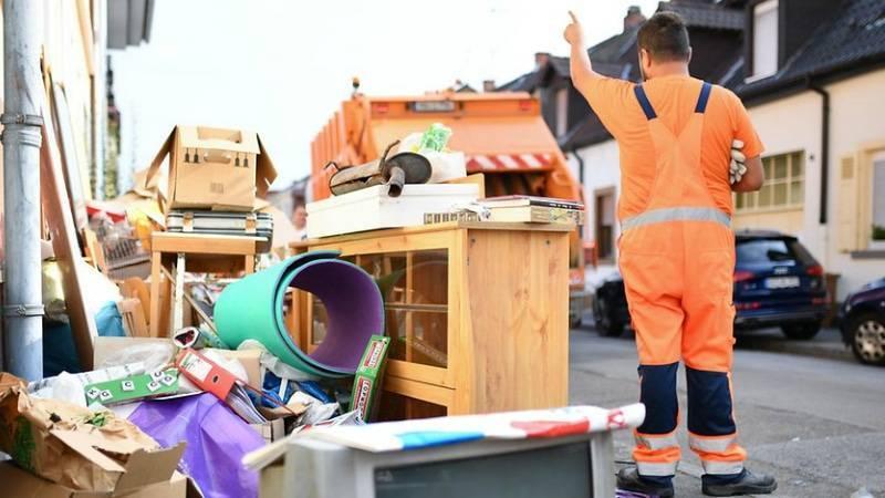 Новый закон о мусоре: что нельзя выбрасывать с остальными отходами