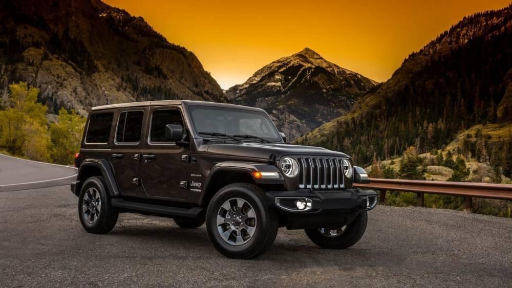 Стали известны цены на новый внедорожник Jeep Wrangler в России
