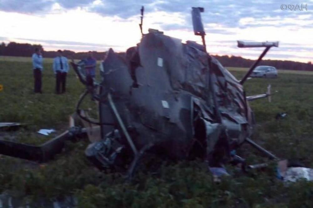 Появились фотографии с места жесткой посадки вертолета в Рязанской области