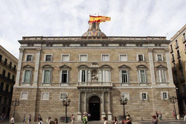 Глава Каталонии пообещал добиться «создания республики»