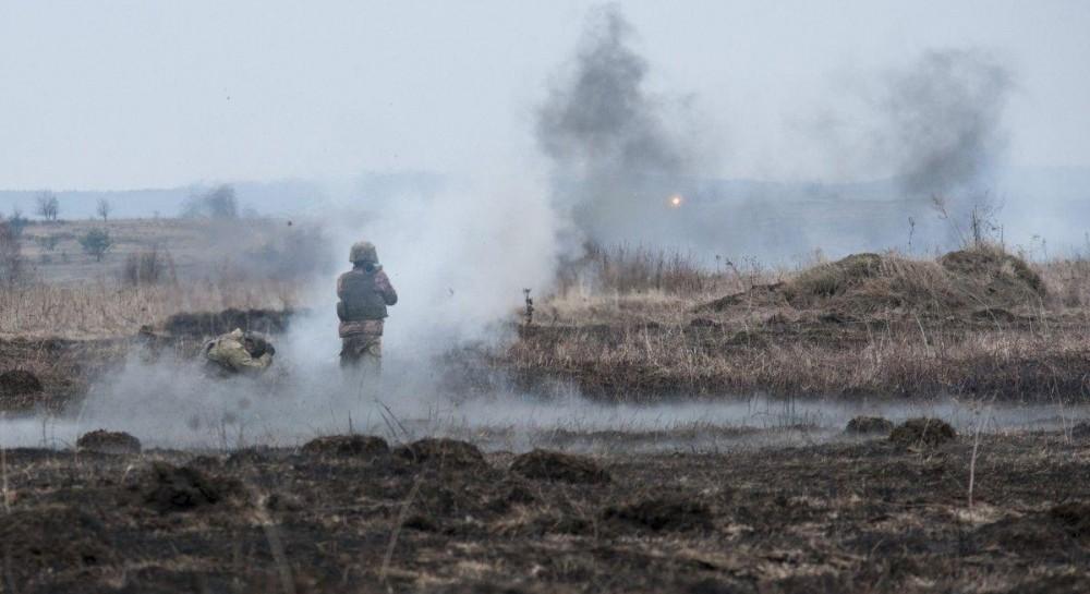 За прошедшие сутки боевики 40 раз открывали огонь по позициям ООС, есть раненые