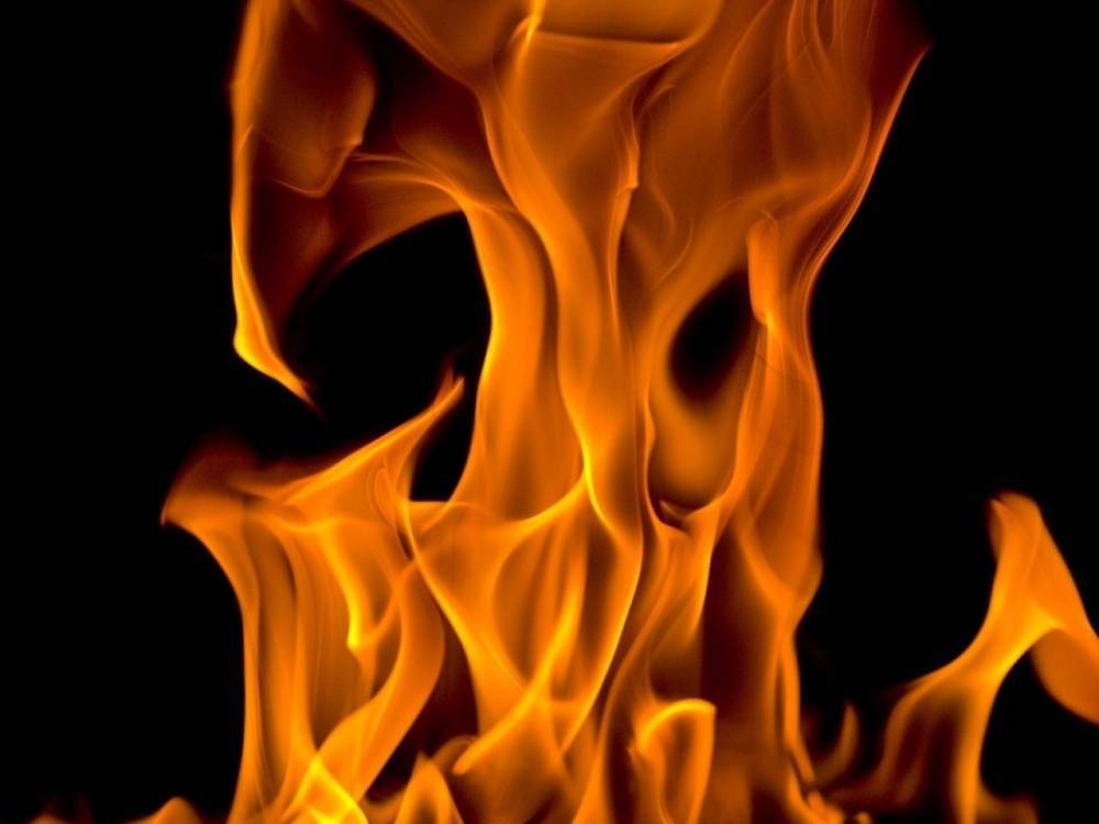 Пенсионерка пострадала при серьезном пожаре в Архангельске