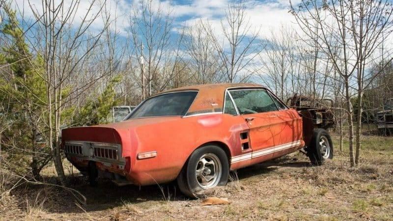 Полвека редчайший Ford Mustang 1967 года ржавел на свалке, а теперь стоит миллионы