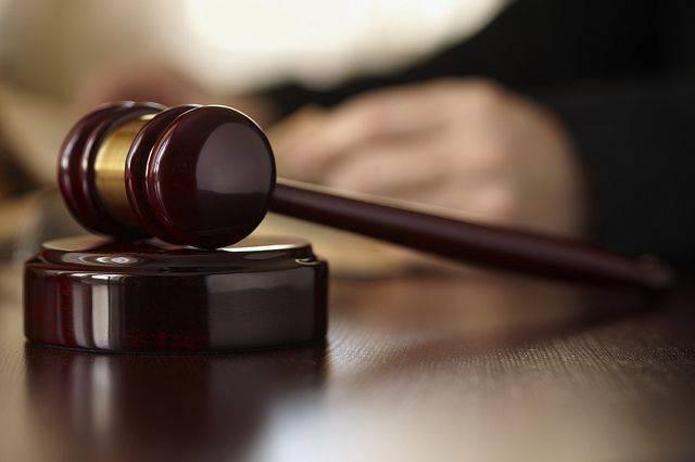 Мать сестер, признавшихся в убийстве отца, прибыла в Останкинский суд