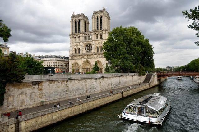 Ушаков: встреча «нормандской четверки» может пройти в Париже