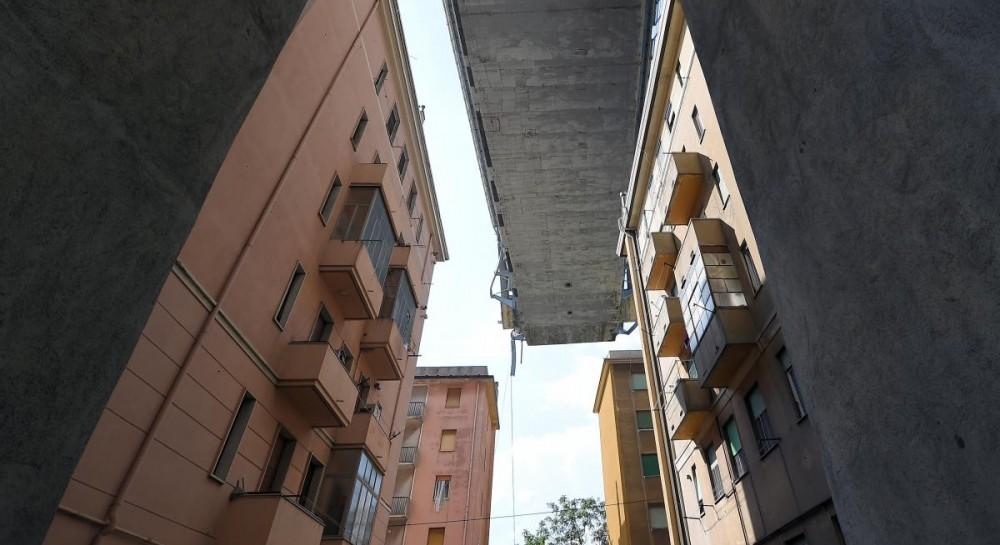 Обвал моста в Италии мог стать следствием коррупции - СМИ