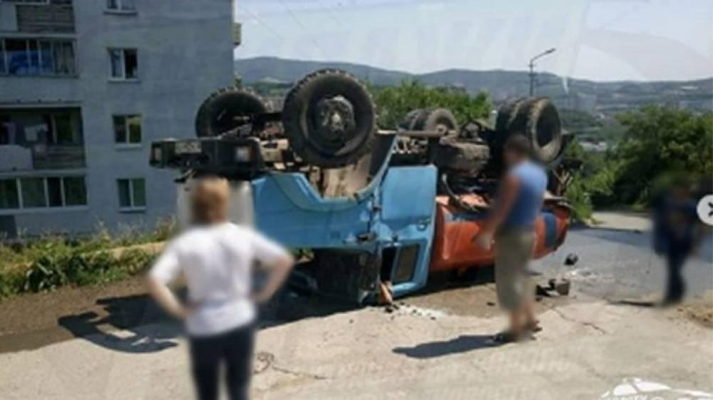 ДТП с участием водовоза произошло во Владивостоке