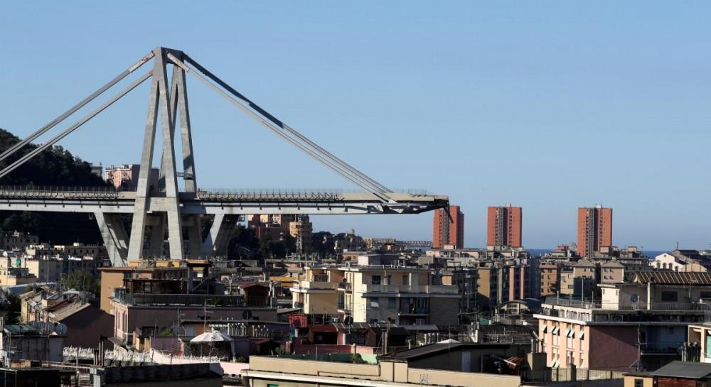 В Италии рассказали, когда восстановят разрушенный мост в Генуе