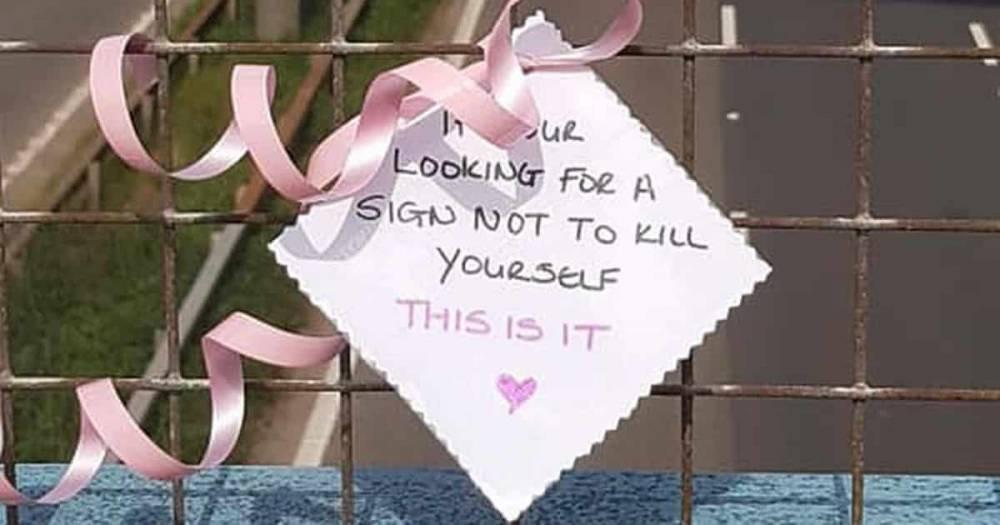 Женщину, желающую спрыгнуть с моста, остановила простая записка от незнакомца, и это уже не первая спасенная жизнь