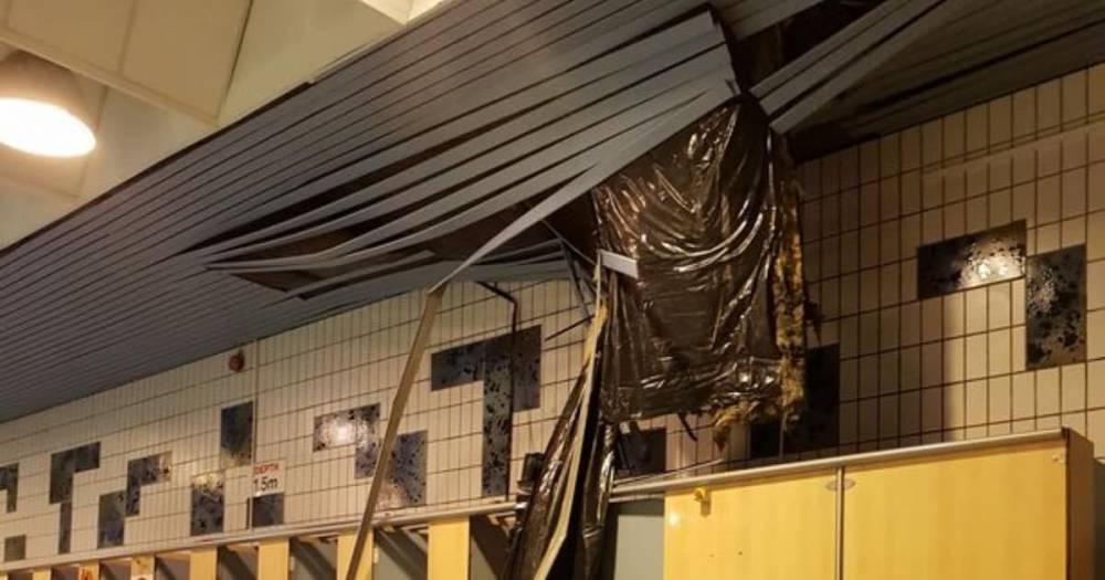 В Ливерпуле на посетителей бассейна обрушился потолок