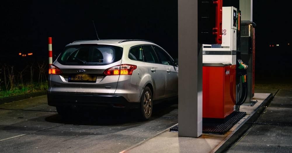 Новый бензин в Великобритании вреден для автомобилей: в зоне риска миллион машин