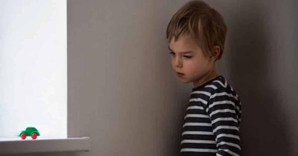 В каком возрасте ребенка можно оставлять дома одного? Вот, что советуют профессионалы