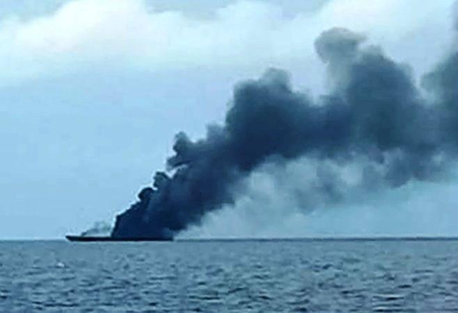 Загорелся и затонул: ВМС Индонезии лишились патрульного катера