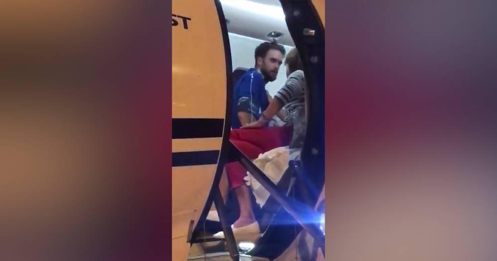 Участник Pussy Riot Пётр Верзилов прилетел на лечение в Германию