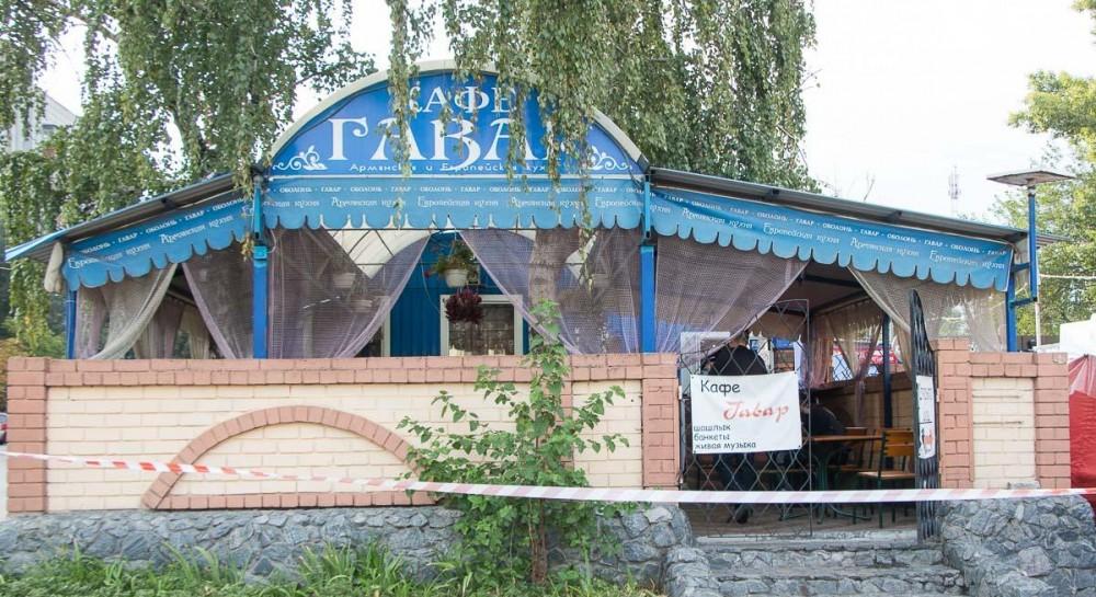 В Днепре возле кафе произошла перестрелка, три человека ранены