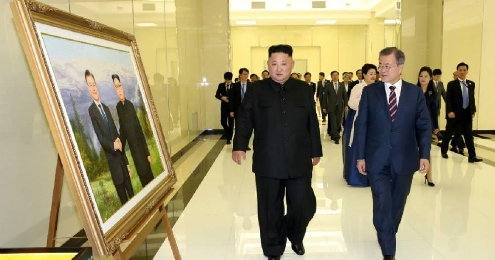 Лидер Южной Кореи угостился корнями колокольчика у Ким Чен Ына