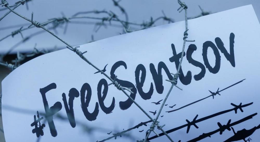 Комиссар ЕС призвала Россию немедленно освободить Сенцова