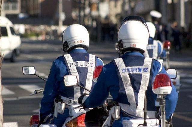 В Японии неизвестный убил полицейского в участке – СМИ