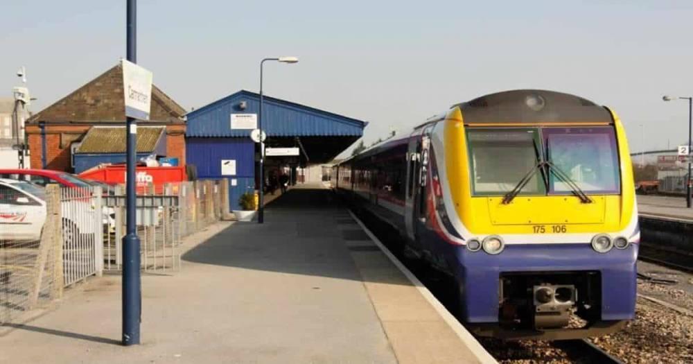 Поезд ту-ту: машинист поезда вынудил пассажиров воспользоваться туалетами на станции, а сам уехал без них