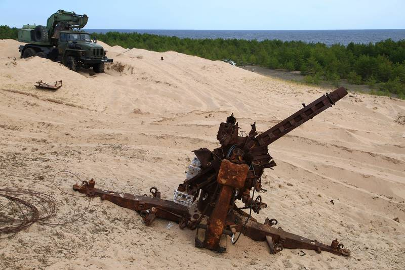 Военные вертолёты вывезли с острова в Финском заливе артефакты ВОВ