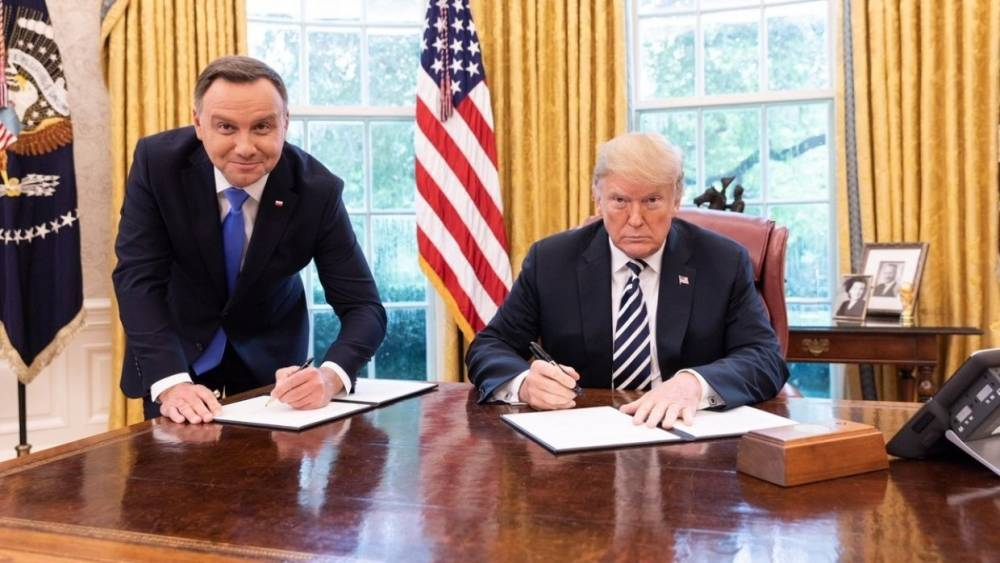 «И это наши адвокаты в ЕС»: президент Польши разочаровал украинцев
