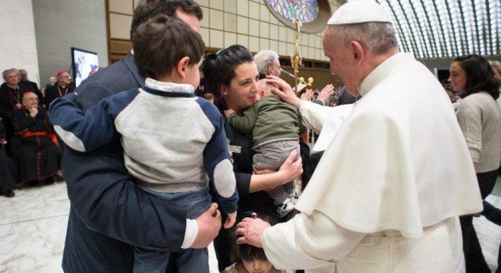 Папа Римский призвал итальянцев к «семейной святости»