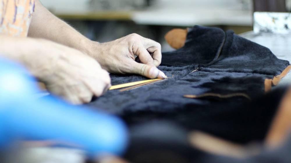 За примерку одежды в магазинах Испании хотят взимать плату