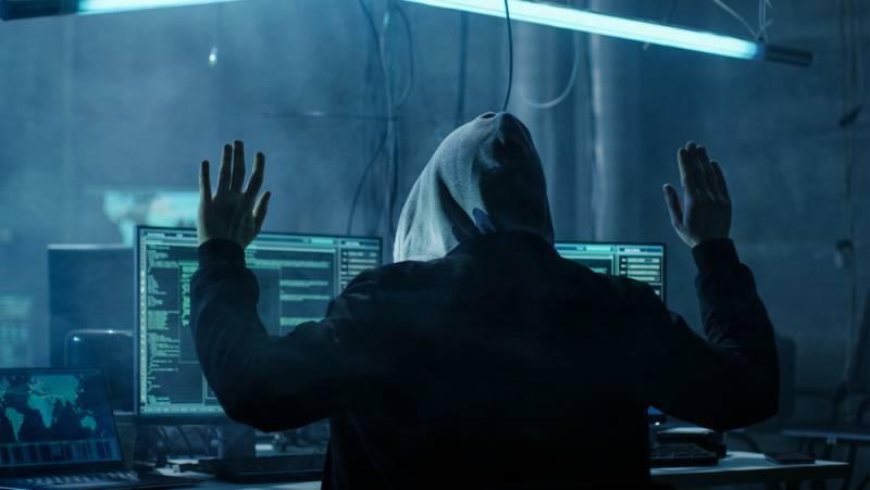 """Лондон сформирует наступательные кибервойска. Удар по """"русским хакерам""""?"""