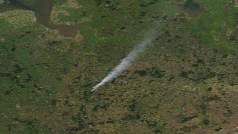 Бундесвер стал виновником масштабного пожара: облако дыма видно даже из космоса