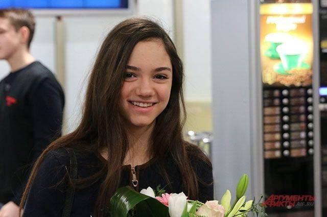 Медведева упала в произвольной программе и стала второй на Autumn Classic