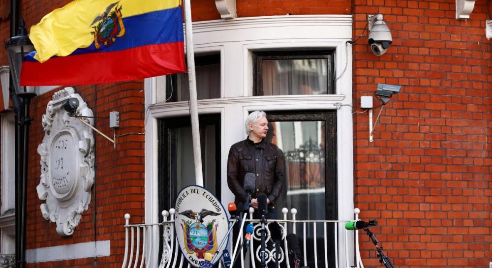 Основателю Wikileaks хотели дать работу в посольстве Эквадора в России - СМИ