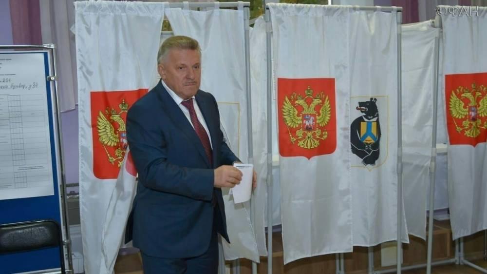 Второй тур выборов в Хабаровском крае: Шпорт проголосовал по месту прописки