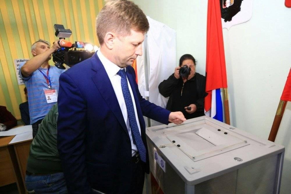 Девяностые отдыхают: жители Хабаровска жалуются на угрозы представителей кандидата от ЛДПР Фургала