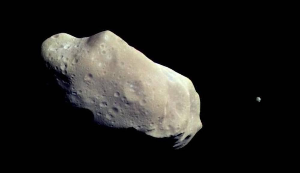 Японские ученые опубликовали первые в истории фото с поверхности астероида
