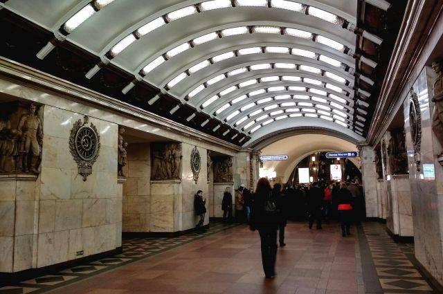 В метро Санкт-Петербурга впервые родился ребенок