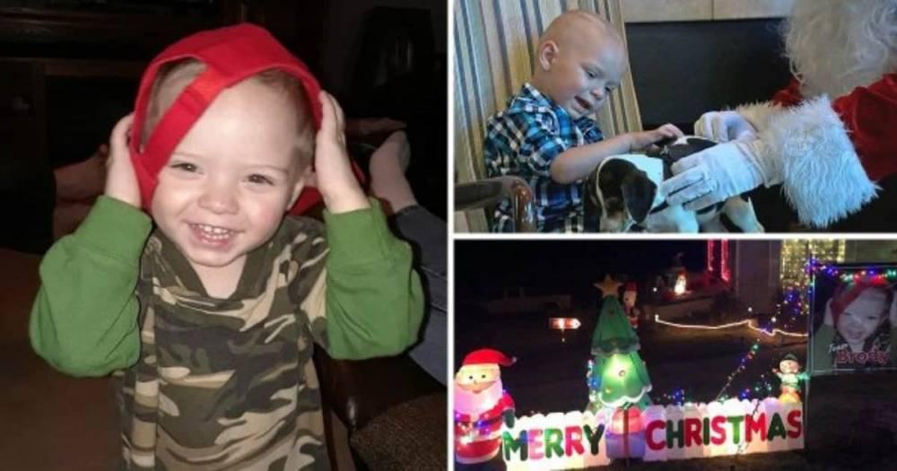 Двухлетний мальчик отпраздновал Рождество в сентябре, поскольку ему осталось жить две недели