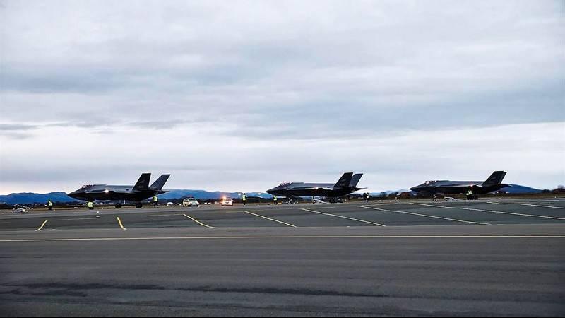 """Норвежские ВВС получили очередные три F-35A """"Лайтнинг-2"""""""