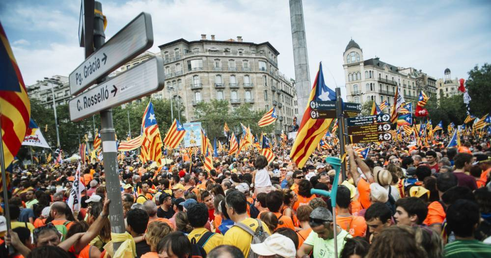 Народ против полиции. 24 человека пострадали в ходе столкновений в Барселоне