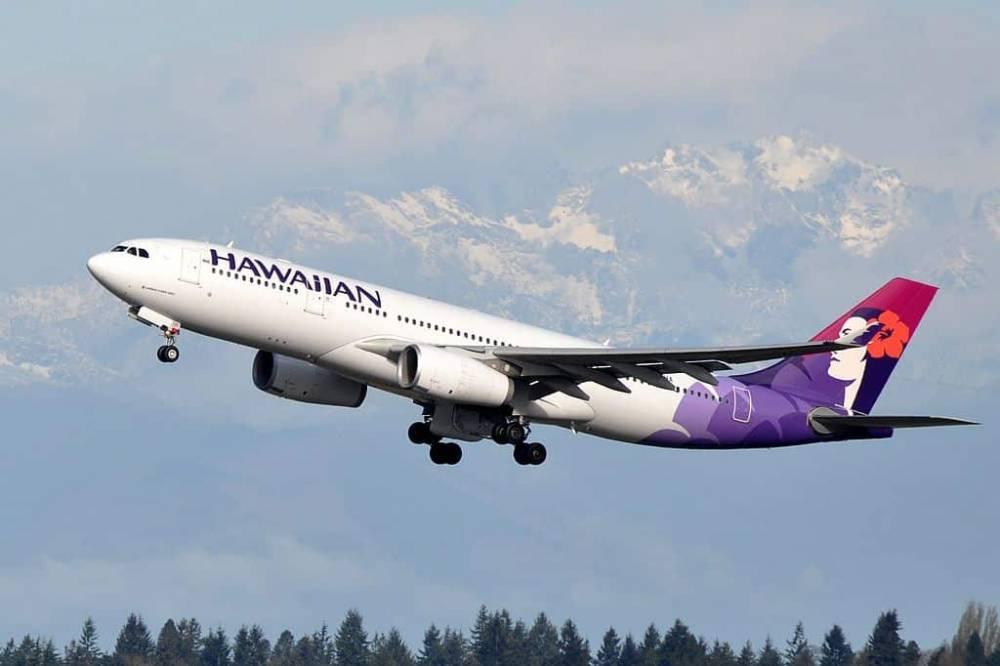 Чувство страха: пассажиры самолета Hawaiian Airlines пережили сразу 2 жутких инцидента