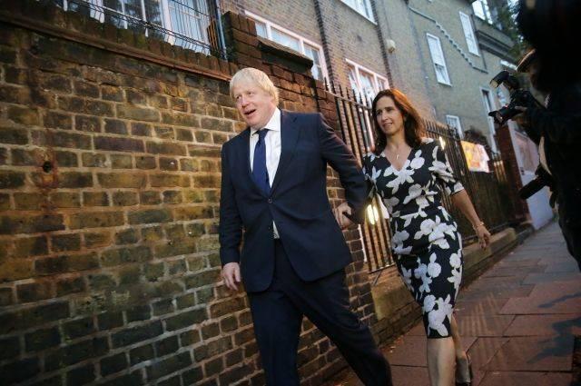 СМИ: супруга Бориса Джонсона выгнала его из дома за измену